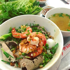Top 5 Places for Street Food in Saigon