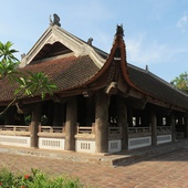 Dinh Bang Village Temple (Dinh Bang)