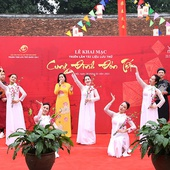Photo Exhition Illustrated Tet Celebration In The Last Vietnam Feudal Dynasty