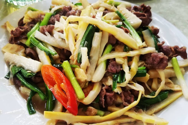 Stir-fried Beef with Bamboo Shoots